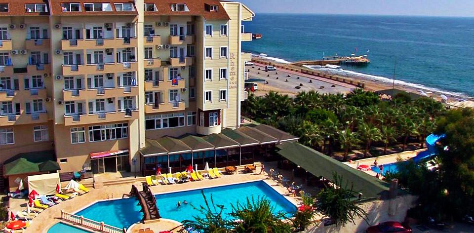 Pohled na hotel Rheme beach, Alanya